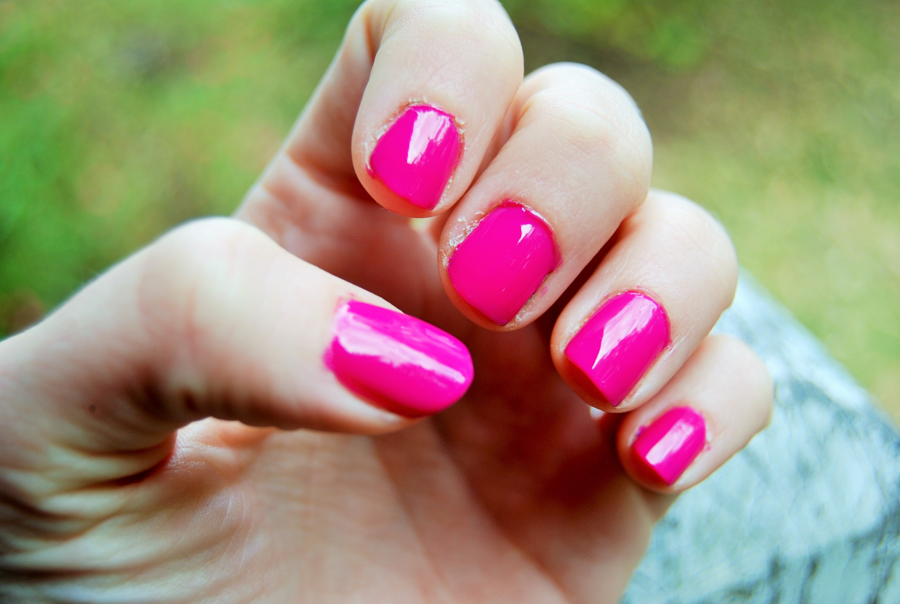 Mani Monday: Essie Secret Story - CLAUDIA DAILY